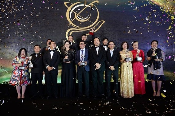 Fourteen outstanding business leaders from Vietnam were honoured as winners of the prestigious Asia Pacific Entrepreneurship Awards 2017 (APEA) at a ceremony held in HCM City on December 19 (Photo: VNA)