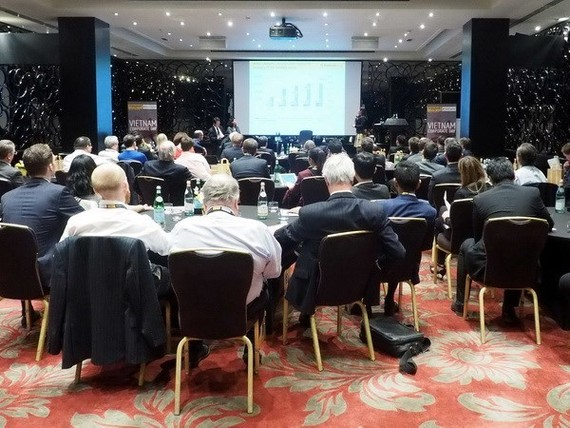 A conference on financial investment promotion in Vietnamese enterprises was also held in London on March 7. (Source: VNA)