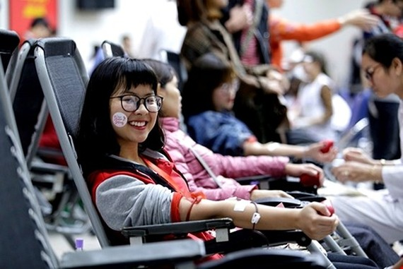 Young volunteers join in the blood donation festival