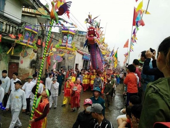 Procession of Long Chau boat (Source: baomoi.com)