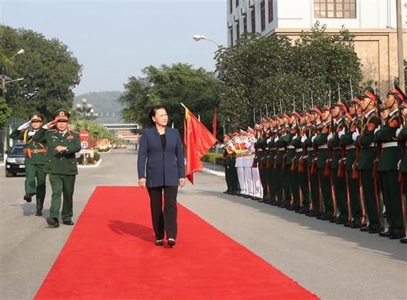 National Assembly Chairwoman Nguyen Thi Kim Ngan visits Military Zone 1 (Photo: VNA)
