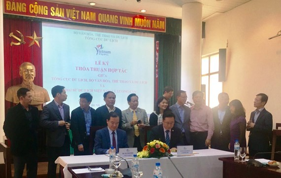 A signing ceremony between Vietnam National Administration of Tourism and the Ministry of Culture, Sports and Tourism  about  establishment of a tourism representative office of Vietnam in South Korea.