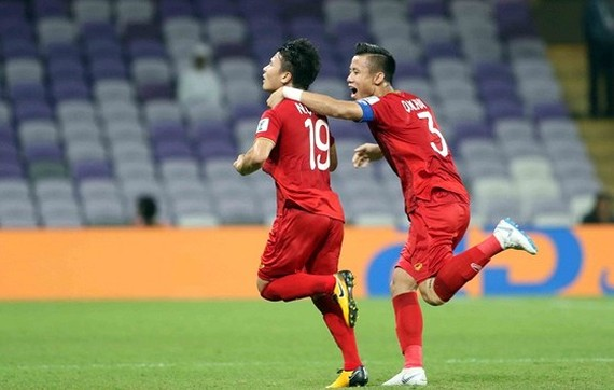 "Midfielder Quang Hai wins ""Best Goal"" Award at Asian Cup 2019  (photo:Anh Khoa)"