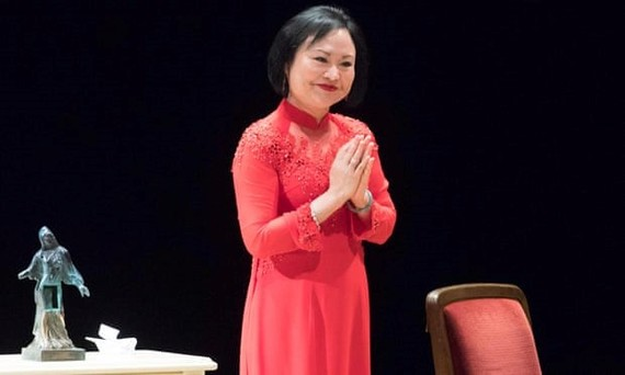 'Napalm girl' Kim Phuc receives Peace Prize in Germany (Source:AFP/Getty Images)