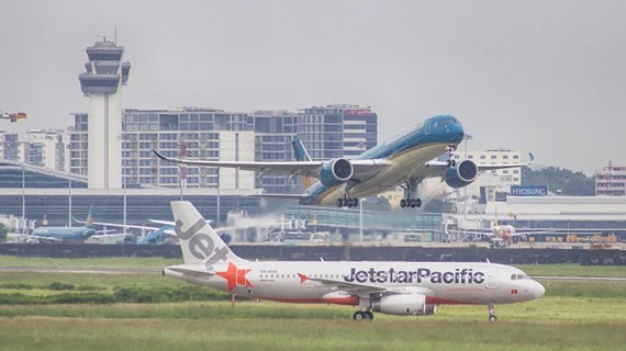 Vietnam Airlines and Jetstar Pacific will provide nearly one million seats (equivalent to 4,700 flights) for the domestic and international flights.