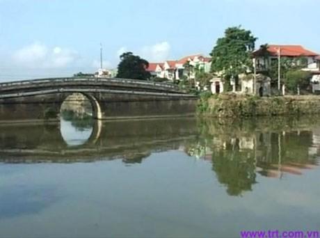 A corner of Ngu Ha river (Source: http://netcodo.com.vn)
