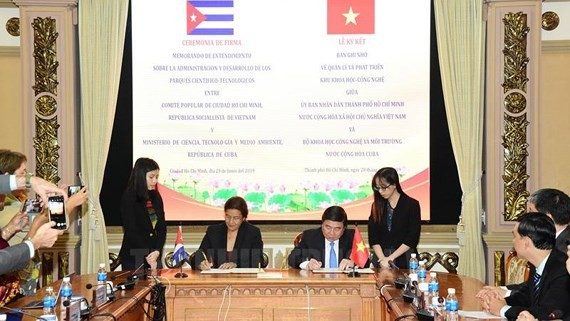 HCMC and Cuba sign MoU about science and technology cooperation