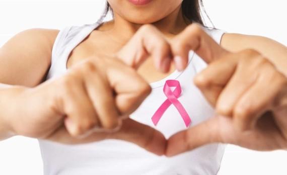 Bệnh viện Ung bướu tầm soát bệnh ung thư vú miễn phí cho 1.200 phụ nữ