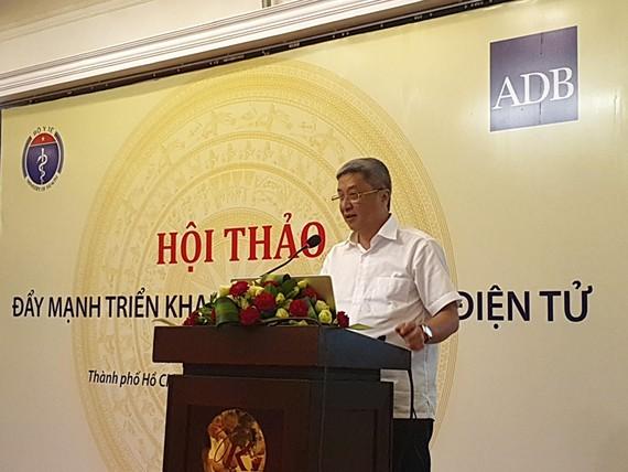 Thứ trưởng Bộ Y tế Nguyễn Trường Sơn phát biểu tại hội thảo