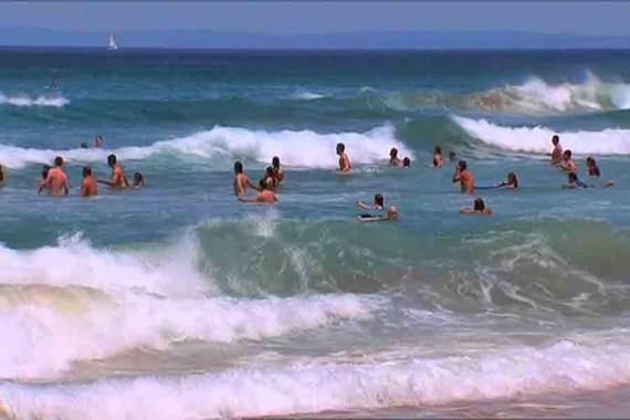 Tắm biển, hai học sinh đuối nước