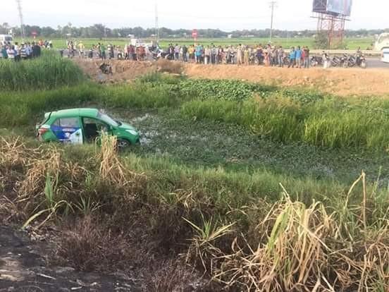 Tai nạn giữa tàu và taxi