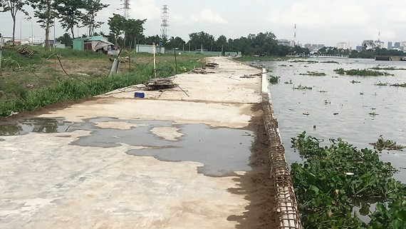 The embankment embankment  built by Dai Phuc Company