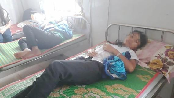 30 em học sinh nhập viện nghi do ngộ độc thức ăn