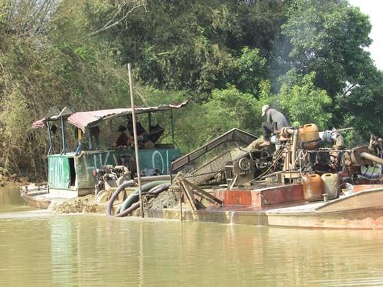 Hạn chế cấp phép khai thác cát trên sông Đồng Nai