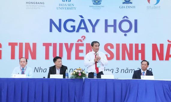 NGND.PGS.TS Hồ Thanh Phong - Hiệu trưởng Đại học HIU phát biểu tại Ngày hội Thông tin tuyển sinh 2019