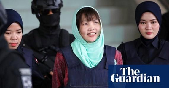 Đoàn Thị Hương (giữa) được trả tự do. Ảnh: The Guardian