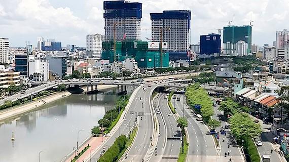 採用ODA資金的武文傑大道是本市的典範街道之一。
