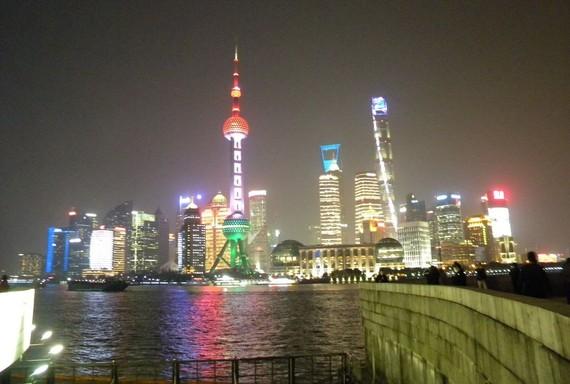 上海浦東夜景一隅。