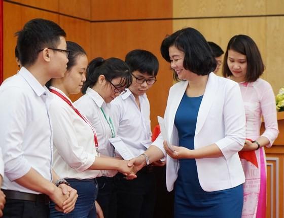圖為今年第二十屆阮文享助學金頒發儀式一瞥。