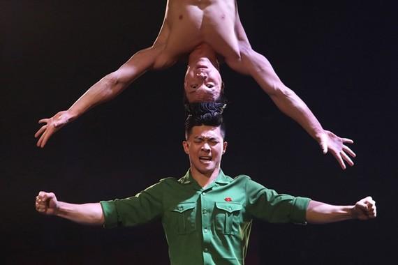 國基、國業 在2018年《英國達人》決賽當晚。