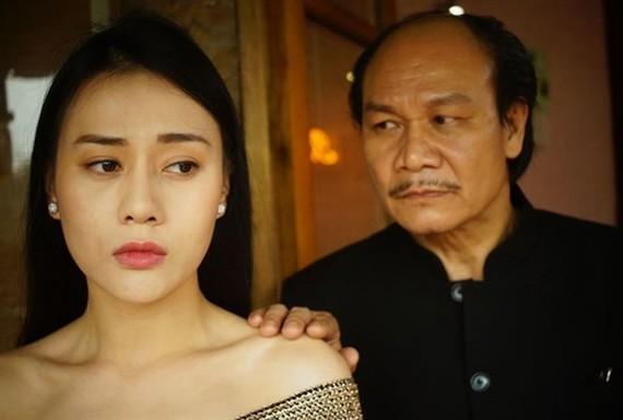 電視劇《瓊娃娃》面對女演員芳鸞控告被劇組成員抹黑的緋聞。