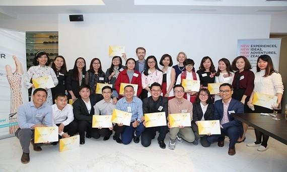 獲得本年度新西蘭留學獎學金的越南大學生合照。(圖源:秀英)