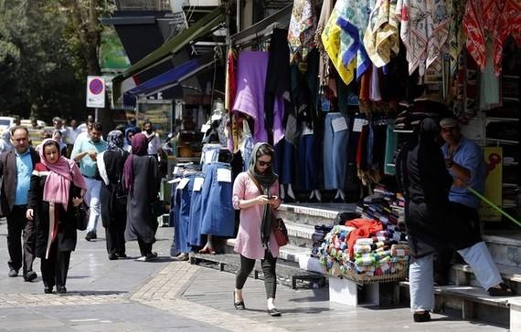 美重啟制裁令伊朗民眾生活大受影響。(圖源:AFP)