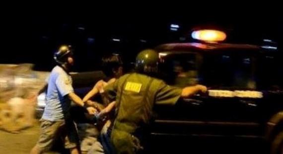 被拘押的歹徒。(示意圖源:互聯網)