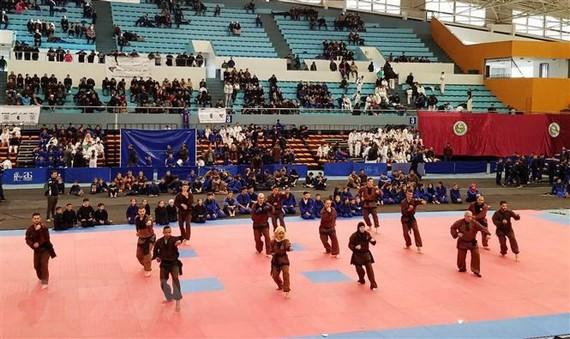 在阿爾及利亞的山龍拳術運動員。