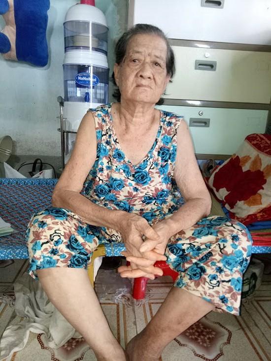 趙素貞正等錢入院做第二次手術。