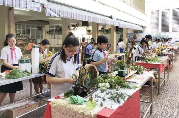 中學生參加比賽一瞥。