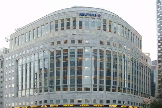 路透社母公司 2 年內裁員 3200 人。圖為位於英國倫敦金絲雀碼頭的《路透》通訊社大樓。(圖源:互聯網)