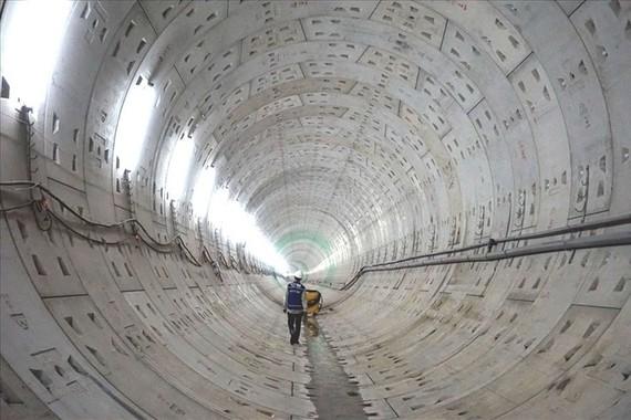 地鐵1號線圍牆設計被擅自調整。圖為地鐵1號線隧道一瞥。(圖源:M.Q)