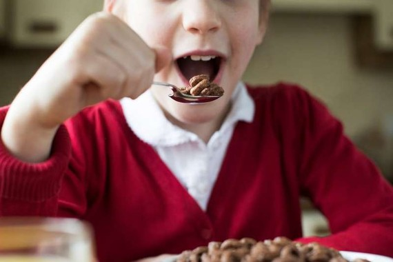 英格蘭公共健康專家警告兒童要減少高糖飲食,避免健康風險。(示意圖源:互聯網)
