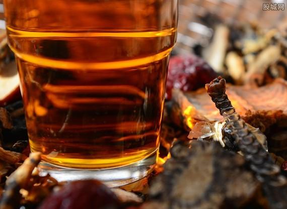 印度北方邦和北阿坎德邦近日發生的假酒事件造成的死亡人數已近90人。(示意圖源:互聯網)