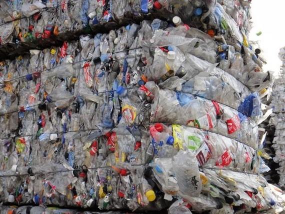2024 年後禁止進口廢塑料回收。(示意圖源:互聯網)