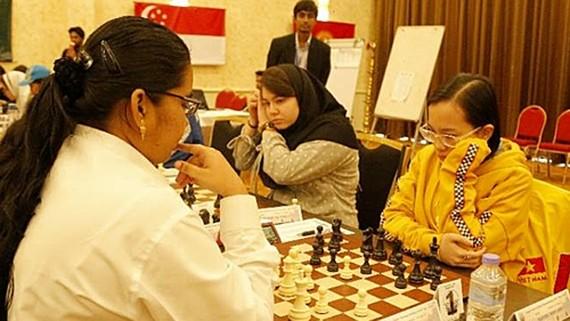 被視為9號種子的阮紅英(右)奪得18歲組冠軍。(圖源:互聯網)