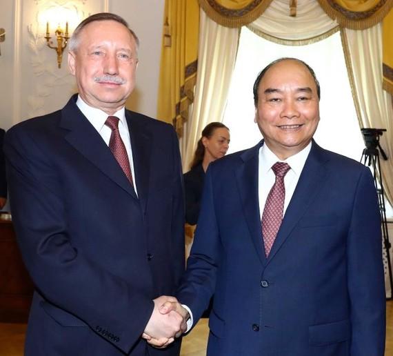 政府總理阮春福會見俄聖彼得堡市代市長別格洛夫。(圖源:越通社)