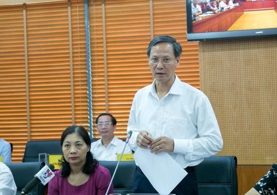 內務部地方政府司長潘文雄在視像會議上發言。(圖源:清俊)