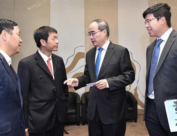 建设胡志明市成为地区与国际金融中心
