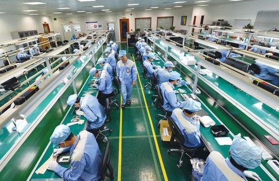 Bkav股份公司的Bphone生產廠一瞥。
