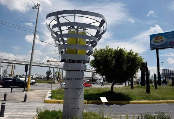 """人工樹""""BioUrban""""高4.2米、闊3米,擁有後現代的外形。(圖源:互聯網)"""