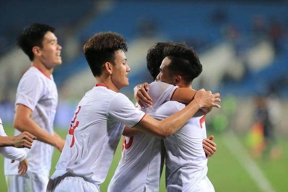 越南隊慶祝勝利。(圖源:互聯網)