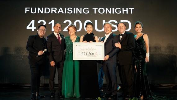 Ngô Thanh Vân quyên góp được gần 10 tỷ đồng từ thiện