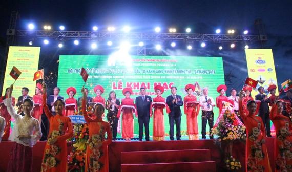 Cắt băng khai mạc hội chợ EWEC Đà Nẵng 2019