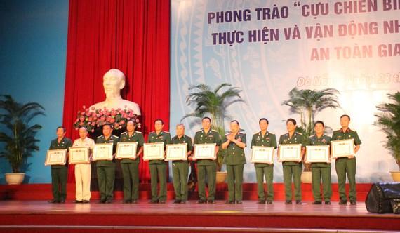 Hội CCB Việt Nam khen thưởng 9 tập thể và 3 cá nhân tiêu biểu