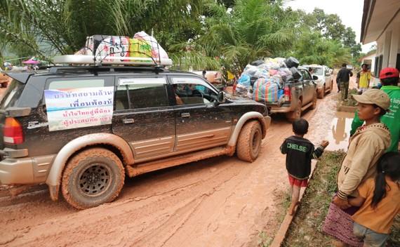 Lực lượng cứu hộ quốc tế đổ về Attapeu, Lào. Ảnh: ĐOÀN KIÊN