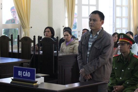 Đậu Đức Quyền tại phiên toà sơ thẩm ngày 14-11