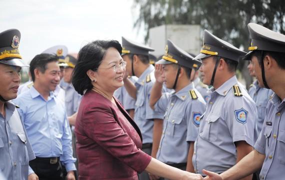 Phó Chủ tịch nước Đặng Thị Ngọc Thịnh thăm lực lượng Kiểm ngư Việt Nam tại Vùng 4 Hải quân