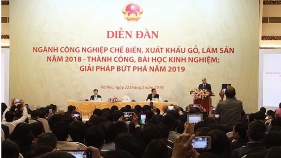 Thủ tướng Nguyễn Xuân Phúc phát biểu tại diễn đàn